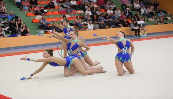 La gymnastique rythmique et sportive (GRS) est une activité gymnique mixte  pratiquée essentiellement par un public féminin. La GRS est réalisée au sol  avec ... 9125ab17abb
